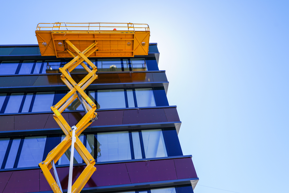 how to operate a scissor lift